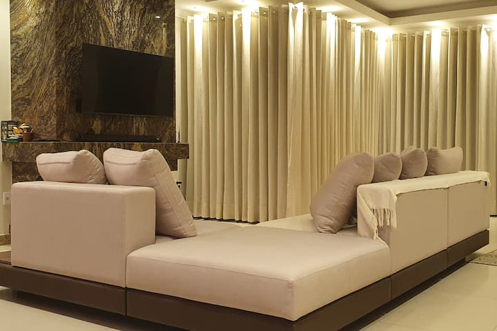 Casa Top em condomínio de luxo, 4 dorm e hidro