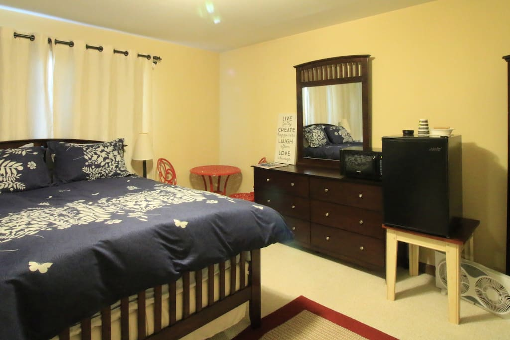 Comfortable queen sized bed and spacious room