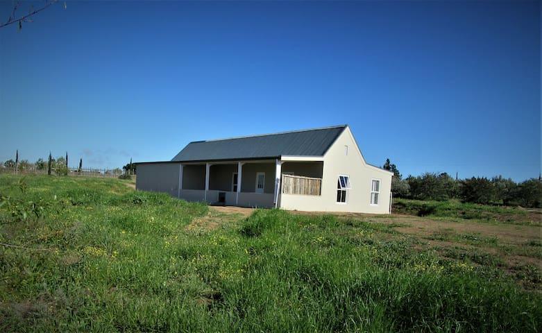DeUitzicht Country cottage in winelands