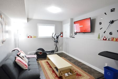 Business Ready Basement suite in Kensington