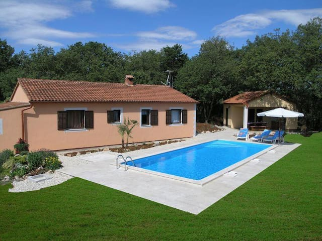 Holiday house Fragola - Tinjan - Casa de campo
