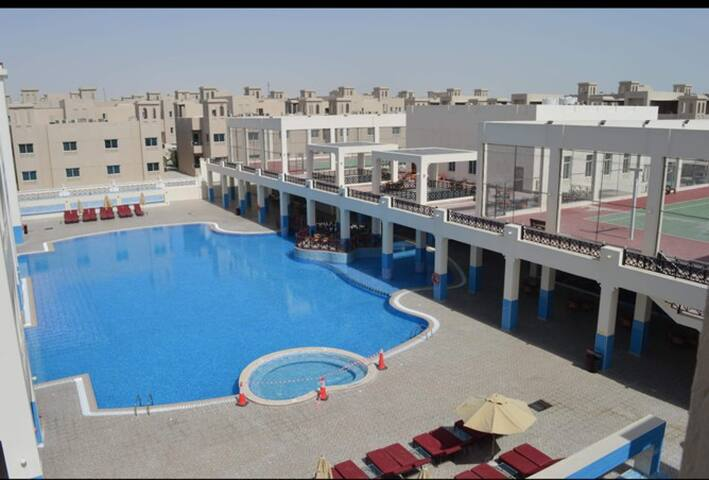 Spacious 2 Bedroom + Pool and Gym and Big Kitchen