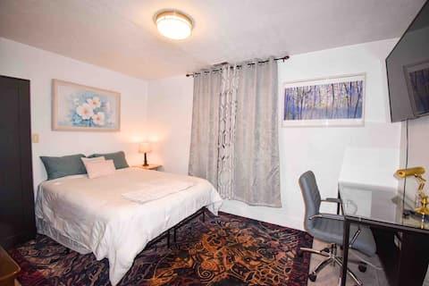 Micro Apartment North Tacoma Ruston Bath & Kitchen