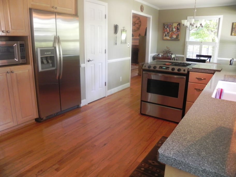 Great fully equipped kitchen with stainless appliances and Corian countertops. Seating for six in the breakfast area.