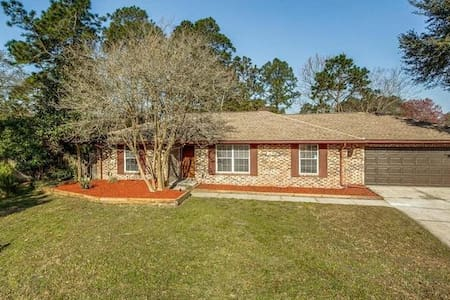 Pool Home in Orange Park, Jacksonville Area! - Orange Park