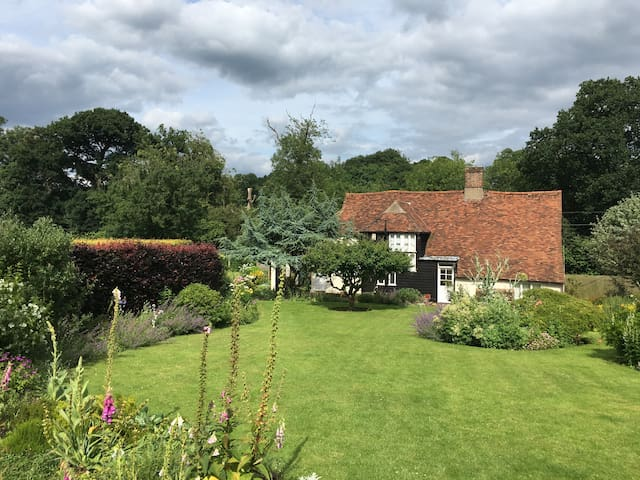 Country Cottage between Cambridge & London - Buntingford - Σπίτι