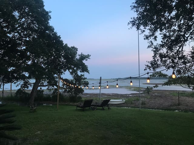 Huntington View Inn, A Beautiful Home on the Water