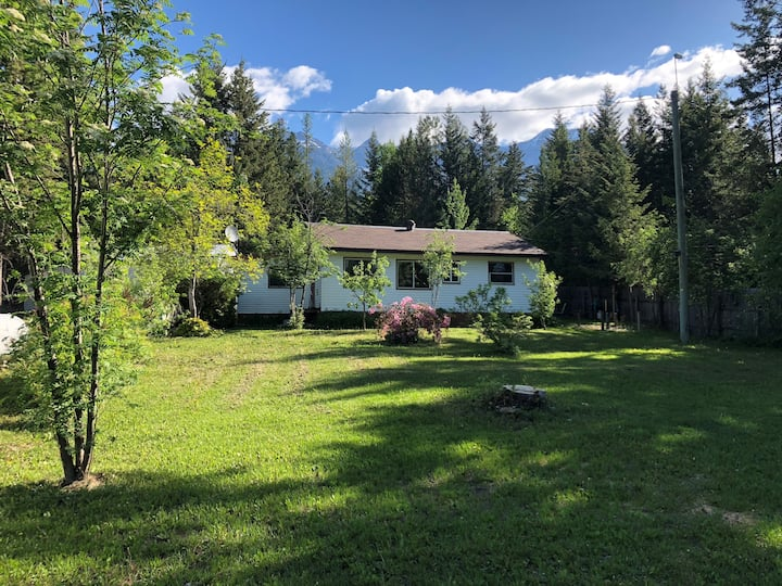 Parson Guesthouse in the Columbia Valley