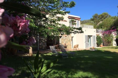 Belle maison Davia avec vue mer - Casa