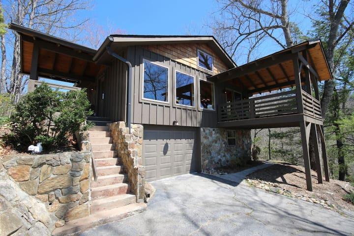 Mickey's Treehouse - Brevard - Casa