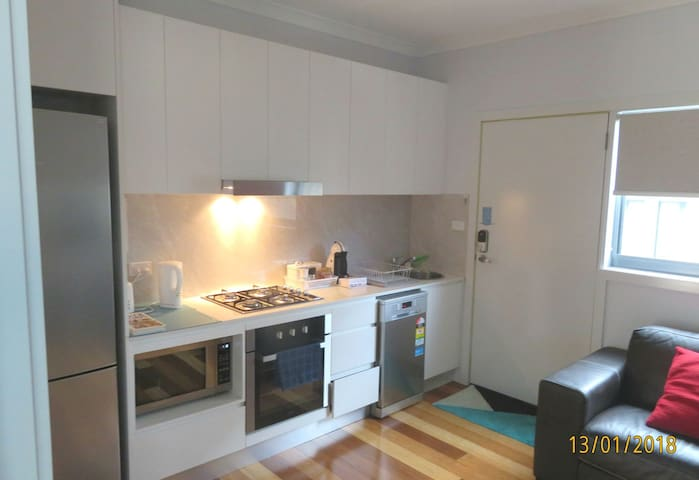 New self-contained 1BR @ convenient location