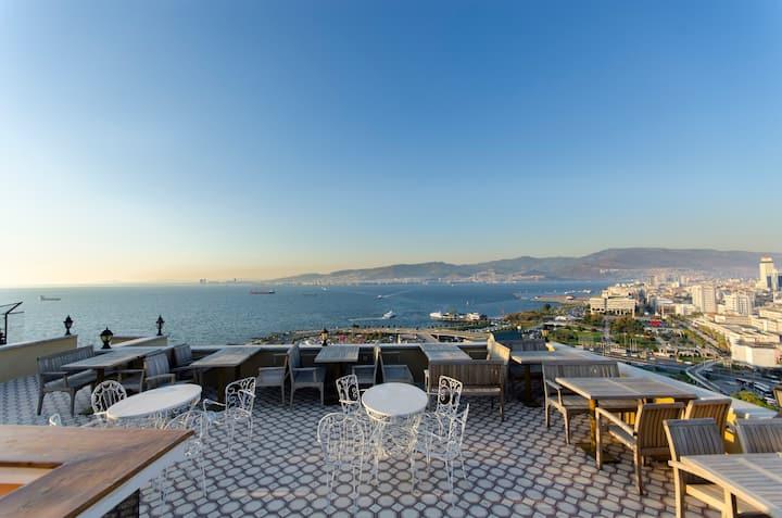 Amazing Seaview Apartment in the Center of Izmir