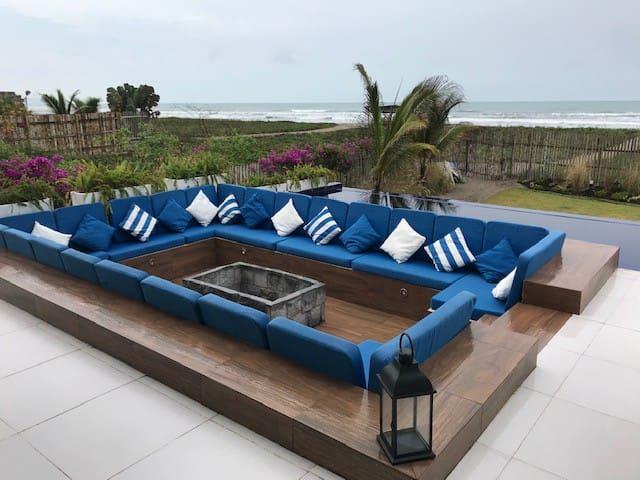 Beach oasis - hermosa casa frente al mar!!