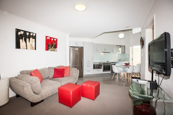 Three bedroom Unit with Pool - Kangaroo Point - Appartement