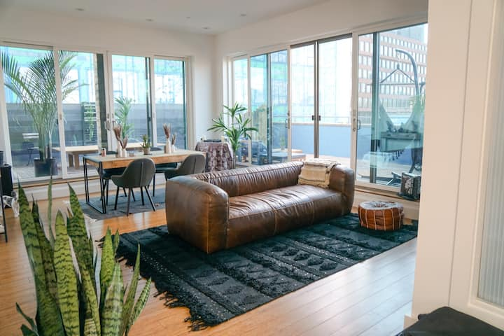 Private, Unique Williamsburg Penthouse