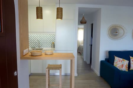 IDEAL for couples and families in front of the Sea