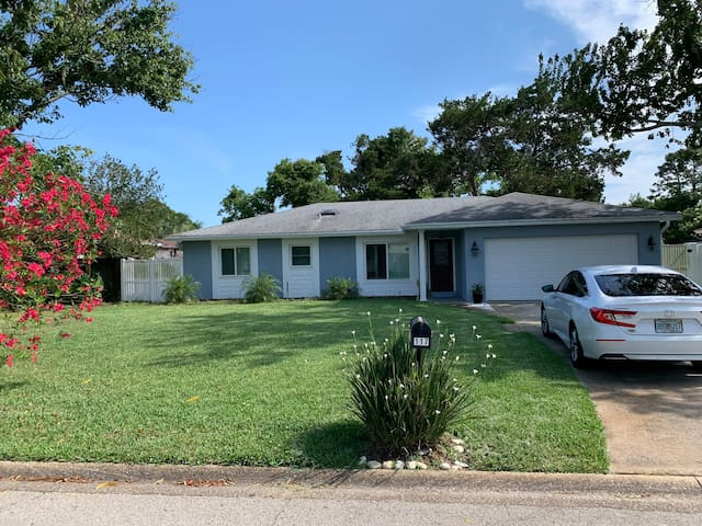 PONTE VEDRA  COZY COTTAGE-TOTALLY REMODELED