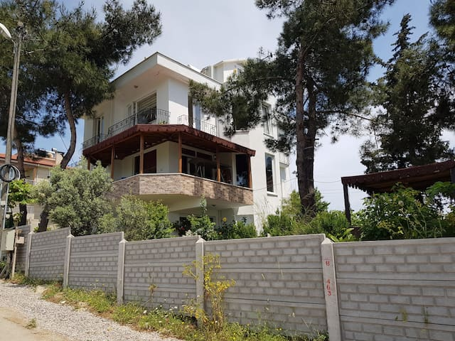 Plajlara Çok Yakın Villa Dairesi (3+1)