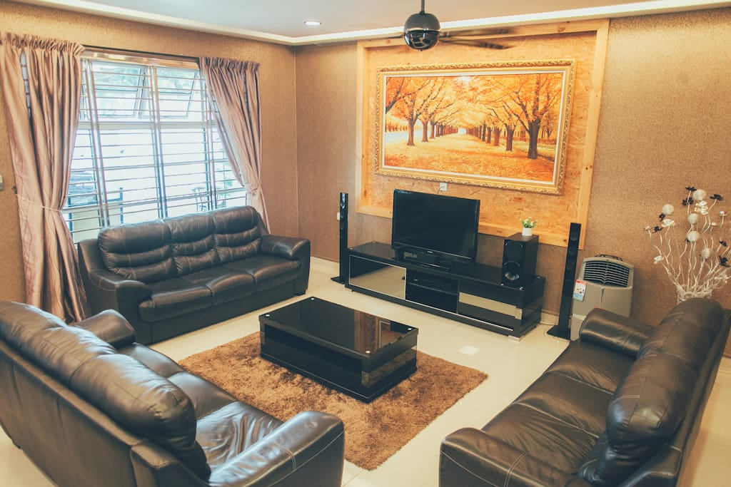 Living Room - Home theater systems, TV and DVD player