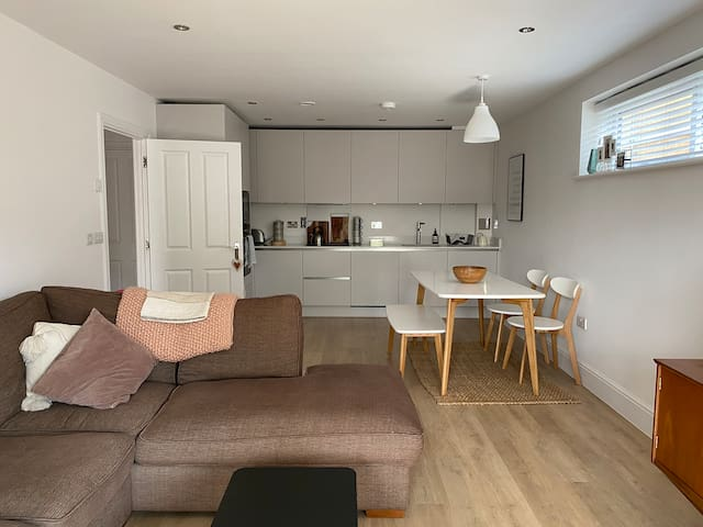 Spacious modern one bedroom flat with balcony