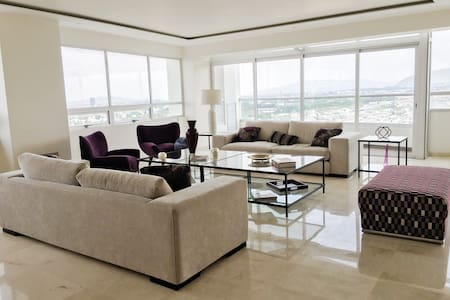 Awesome High-Rise Apartment - Zapopan