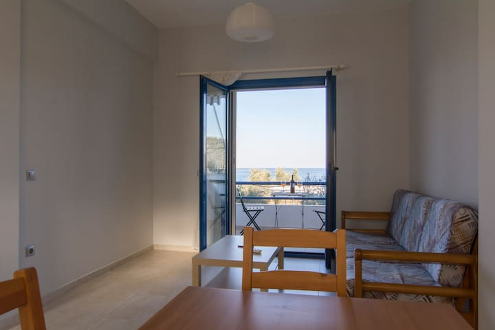 Almiri First Floor Apartment - GR - Appartement