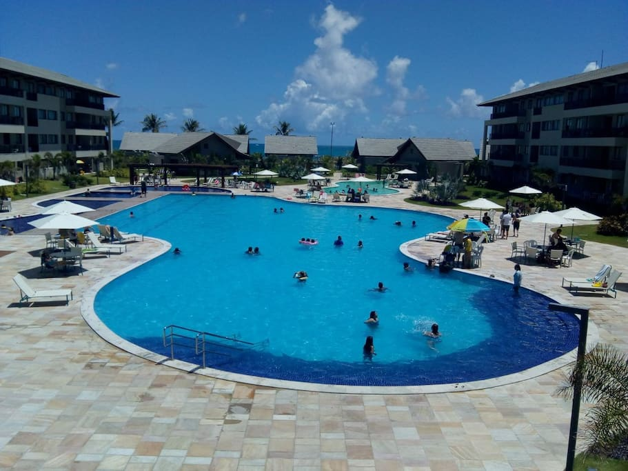 Complexo de piscinas do condomínio