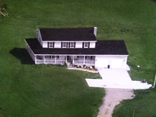 MID OHIO RACE TRACK COUNTRY HOME in Lexington Ohio - Mansfield - House