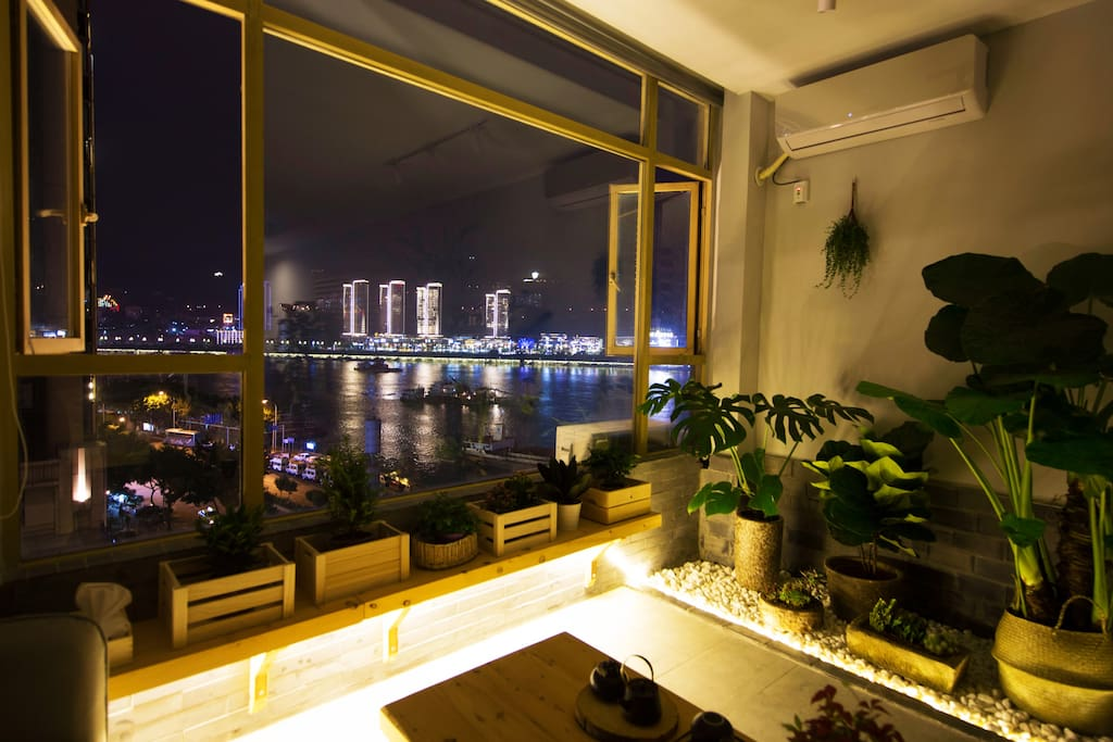 滨江公寓,一线无敌江景房,超美夜景