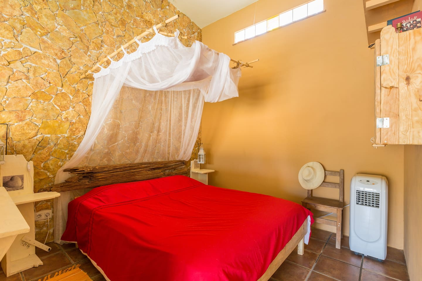 """Cozy """"Casa Pimenta"""", ideal for couples for a relaxing holiday, with pool."""