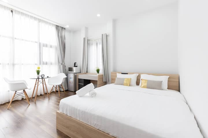 New bright studio perfect for couples