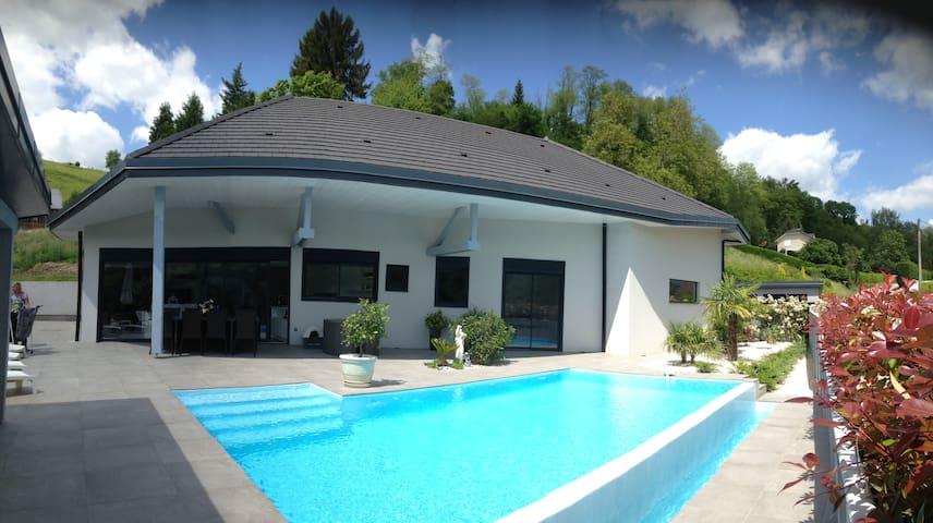 villa moderne a la campagne