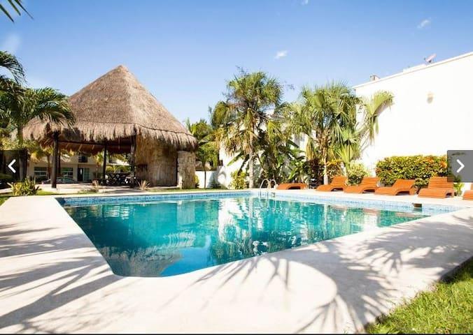 Brand New House w/pool 7 min. beach - Playa del Carmen - Hus
