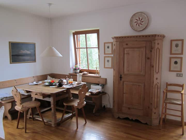 Lovely and bright apartment in Castelrotto