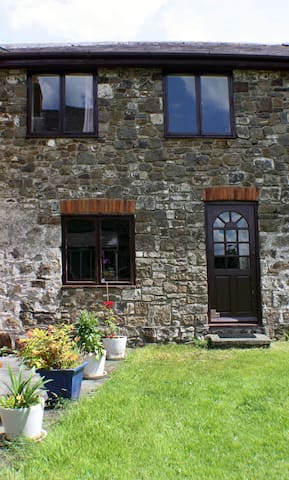 The Butlers Cottage - Whitland - Hus