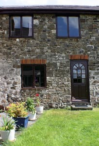 The Butlers Cottage - Whitland - House