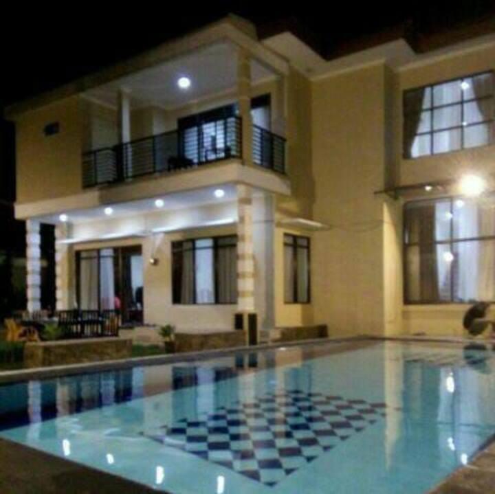 Villa Tana Puncak 5BR