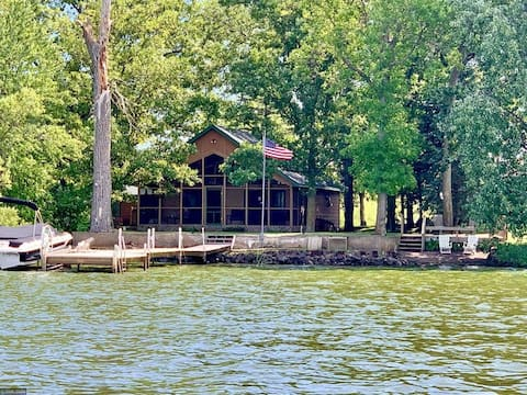 Welcome To The Lake! Perfect Cabin Getaway