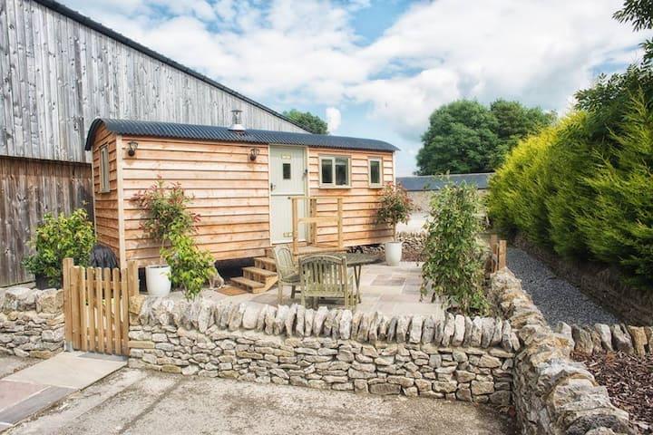 Bertie's Retreat, Shepherds Hut