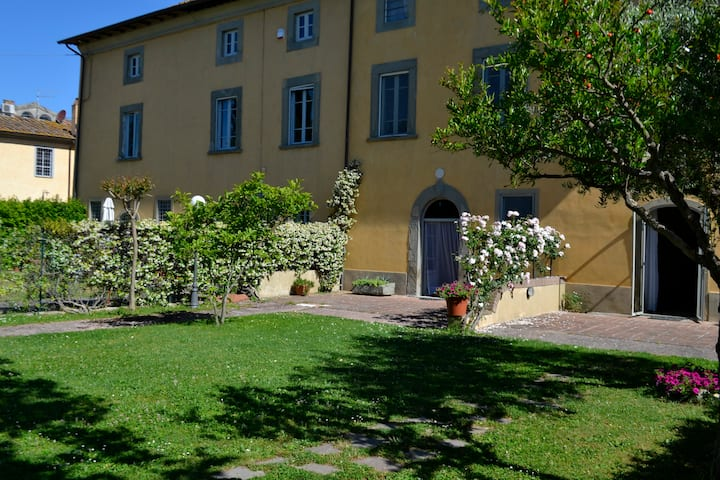 house1700 with garden (3 bedrooms), 5km from Pisa