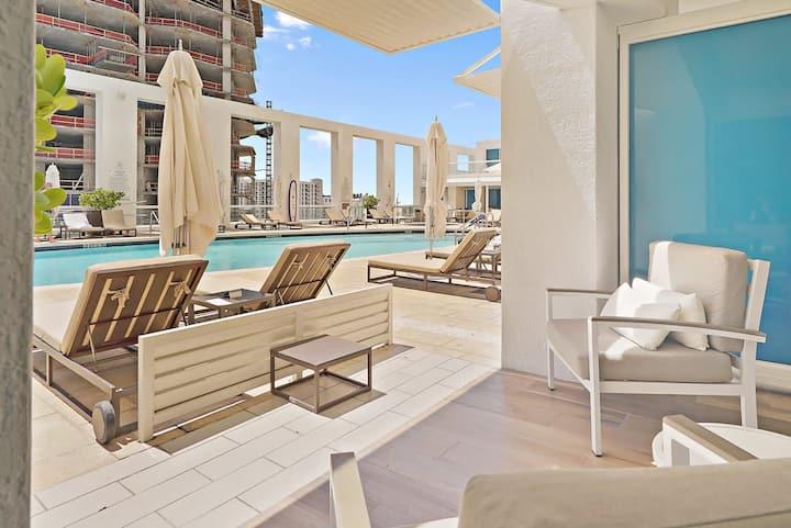 The Ocean Resort 609 | Deluxe Poolside King Studio