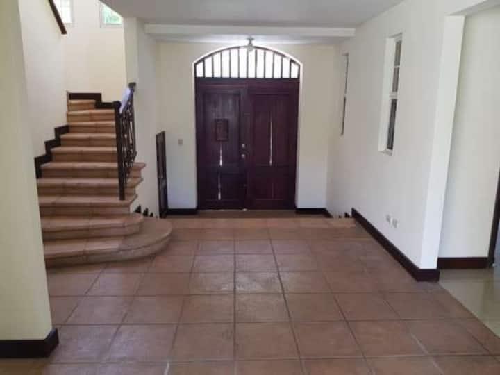 Casa exclusiva en Condominio Villas la trinidad