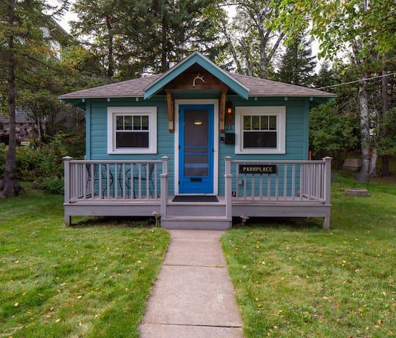 Cozy Parkplace Cabin