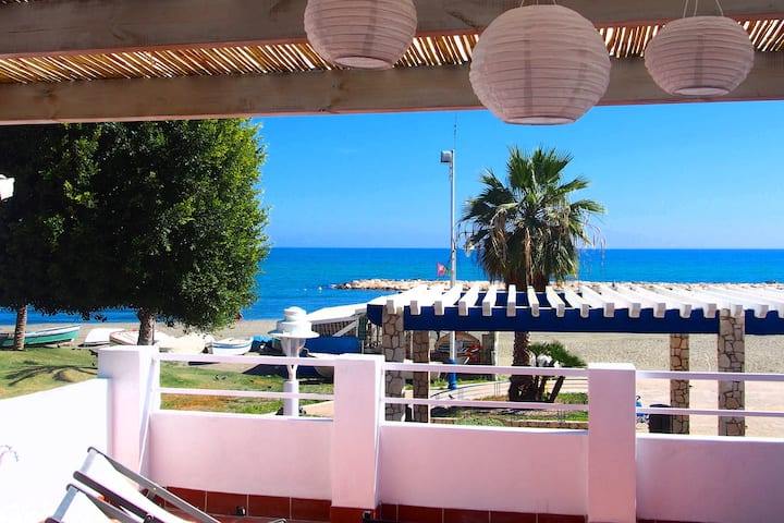 Playa 45, first line beach house in El Palo Málaga