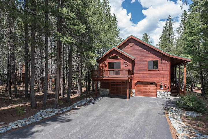 Davos - Tahoe Donner 3 BR 3 Bath with NEW Hot Tub