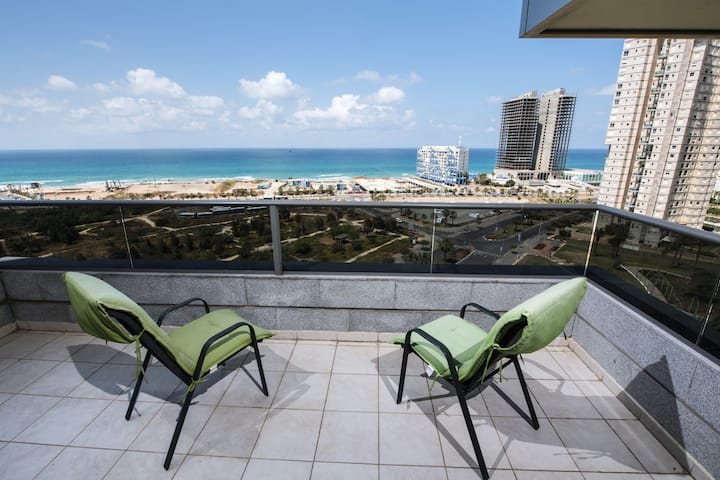 Wonderful  apartment Bat Yam-12 floor 5 rooms