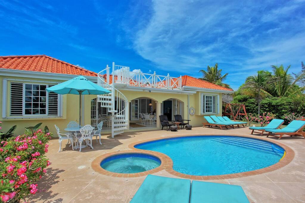 Eirie Blue Villa