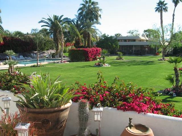 Incredible Mountain View Estate in Indian Wells CC - Indian Wells - House