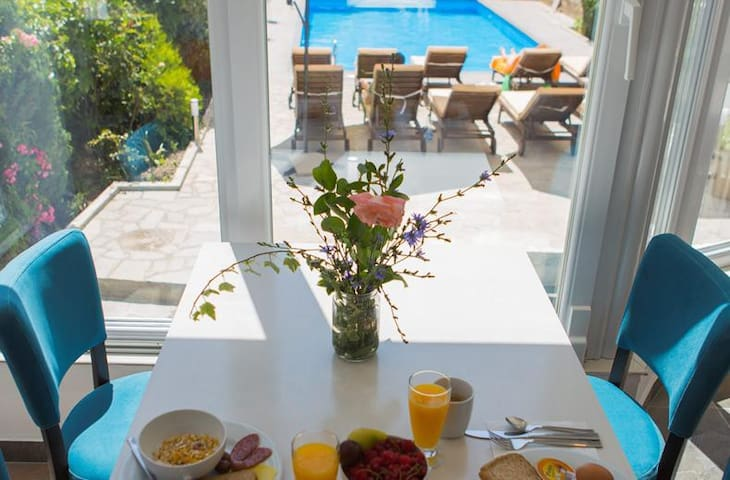 Ohrid Lake View Fancy Bright Room-Poolside