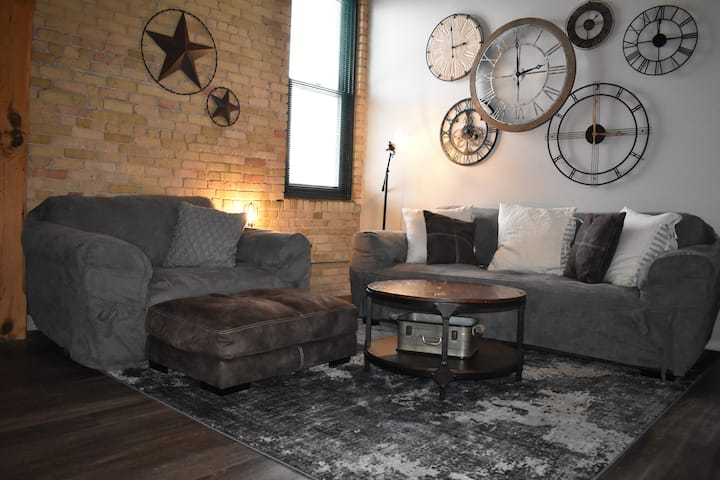 NorthLoop|AUTO SHOW|CnvtnCntr|King|2BR